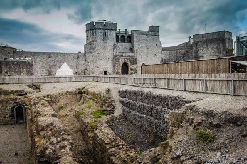 Le château du roi Jean Limerick, l'un des meilleurs châteaux d'Irlande