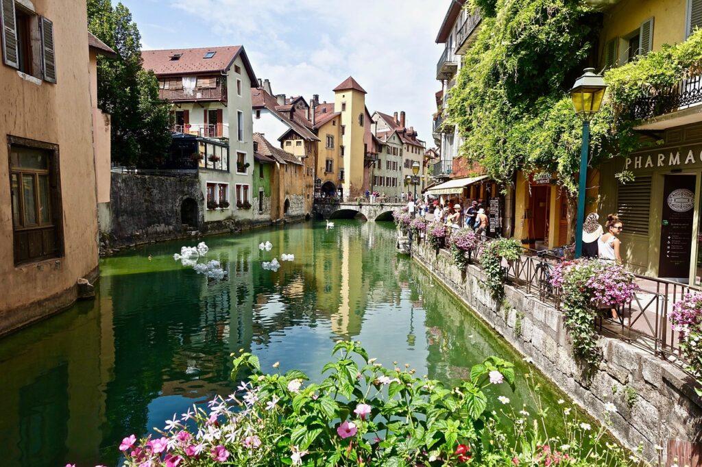 5 choses extraordinaires à faire à Annecy, la Venise des Alpes !